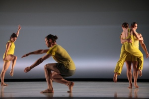 The Liz Gerring Dance company in residency for Horizon. Photo by Miguel Anaya.